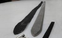 ... Der so entstandene Streifen aus Rochenleder wird nun mit einem profilierten Träger aus solidem Vollrindleder verklebt. ...